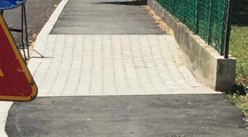 Asfaltatura strada e marciapiede (7 foto)